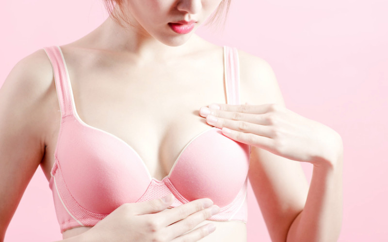 Breast Pain 10 Reason Why Your Breasts Hurt - Bright Freak-6916